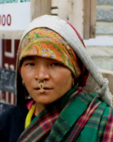 Zdjęcia: gdzies na szlaku.., ozdoby kobiet z gór, NEPAL