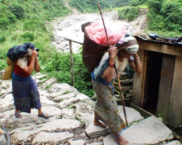 Zdjęcia: gdzies na szlaku.., pod góre.., NEPAL