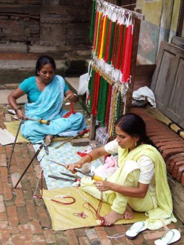 Zdjęcia: gdzies na szlaku.., ręczne robótki, NEPAL