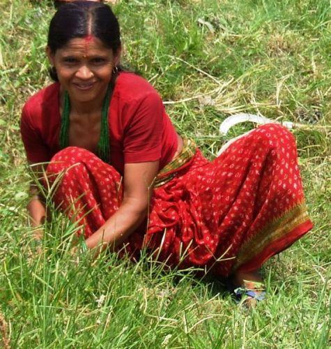 Zdjęcia: gdzies na szlaku.., usmiech nie opuszcza nawet w pracy, NEPAL