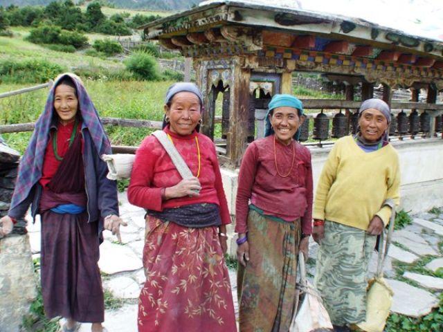 Zdjęcia: gdzies na szlaku.., usmiechnięte kobiety, NEPAL