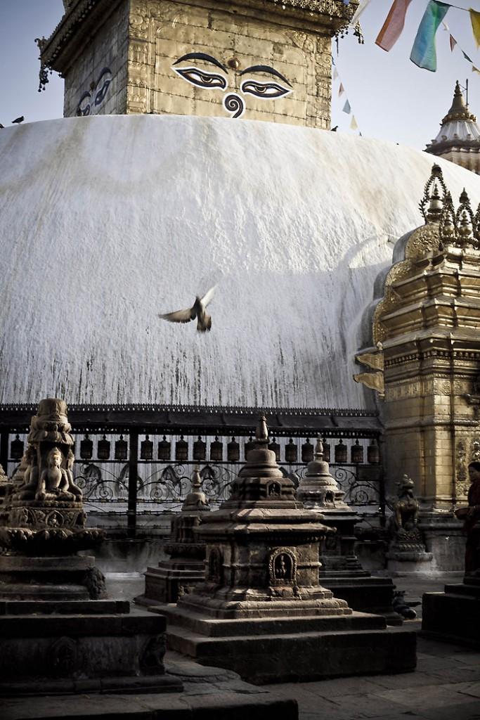 Zdjęcia: Swajambhunath, Katmandu, Stupa o świcie, NEPAL
