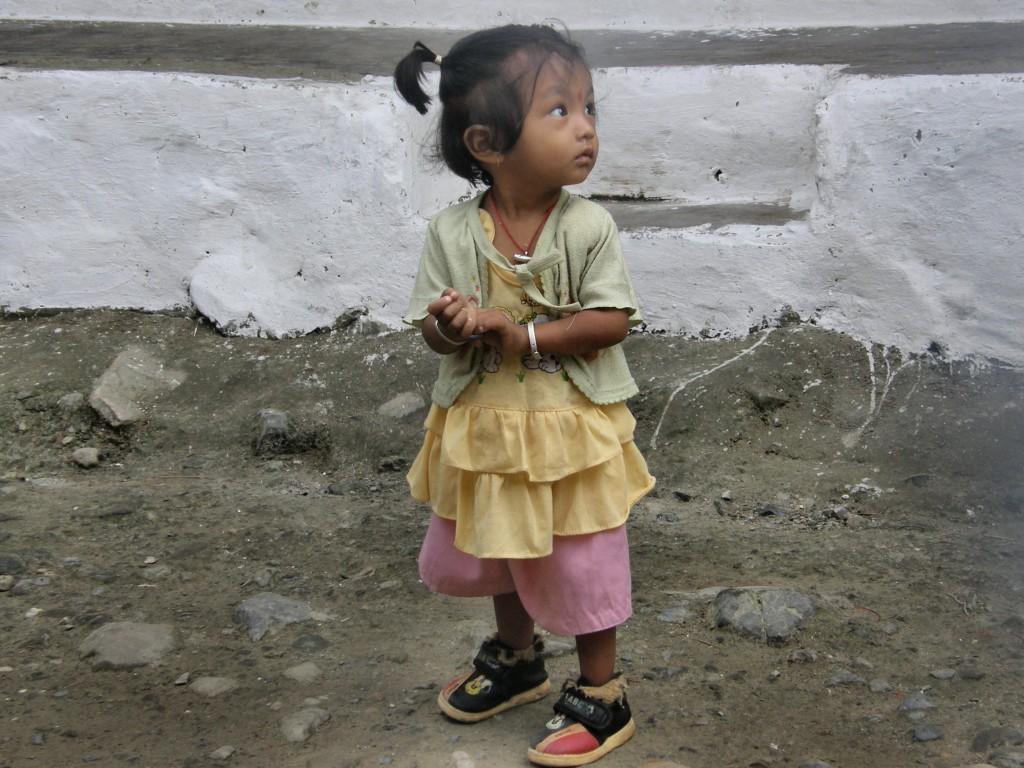 Zdjęcia: Nayapul, Pokhara, Mała Nepalka, NEPAL