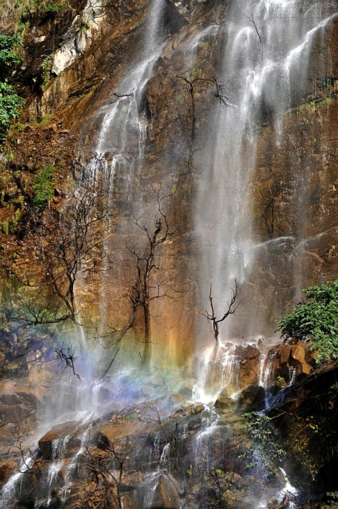 Zdjęcia: gdzieś na treku, Manaslu, tęczowy wodospad, NEPAL
