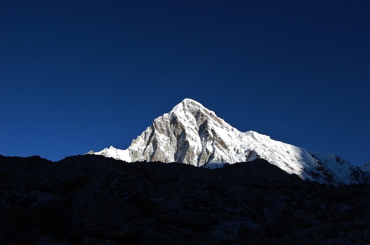 Zdjęcia: w drodze do EBC, Himalaje, Sagarmatha Himal, Pumori (Pumo Ri), NEPAL