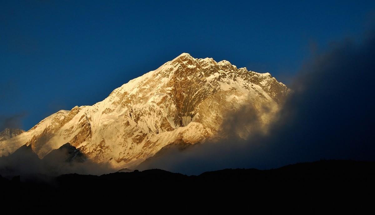 Zdjęcia: Biwak ponad Lobuche, Sagarmatha Himal (Mt. Everest), Ostatnie słońce na Nuptse, NEPAL