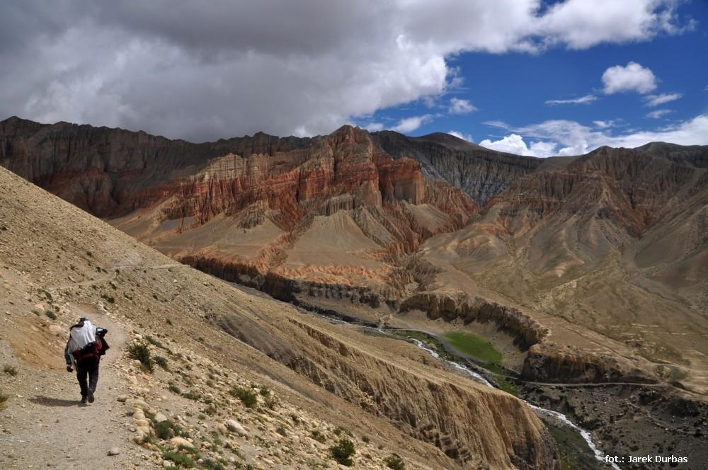 Zdjęcia: Dhakmar, Mustang, Los tragarza, NEPAL