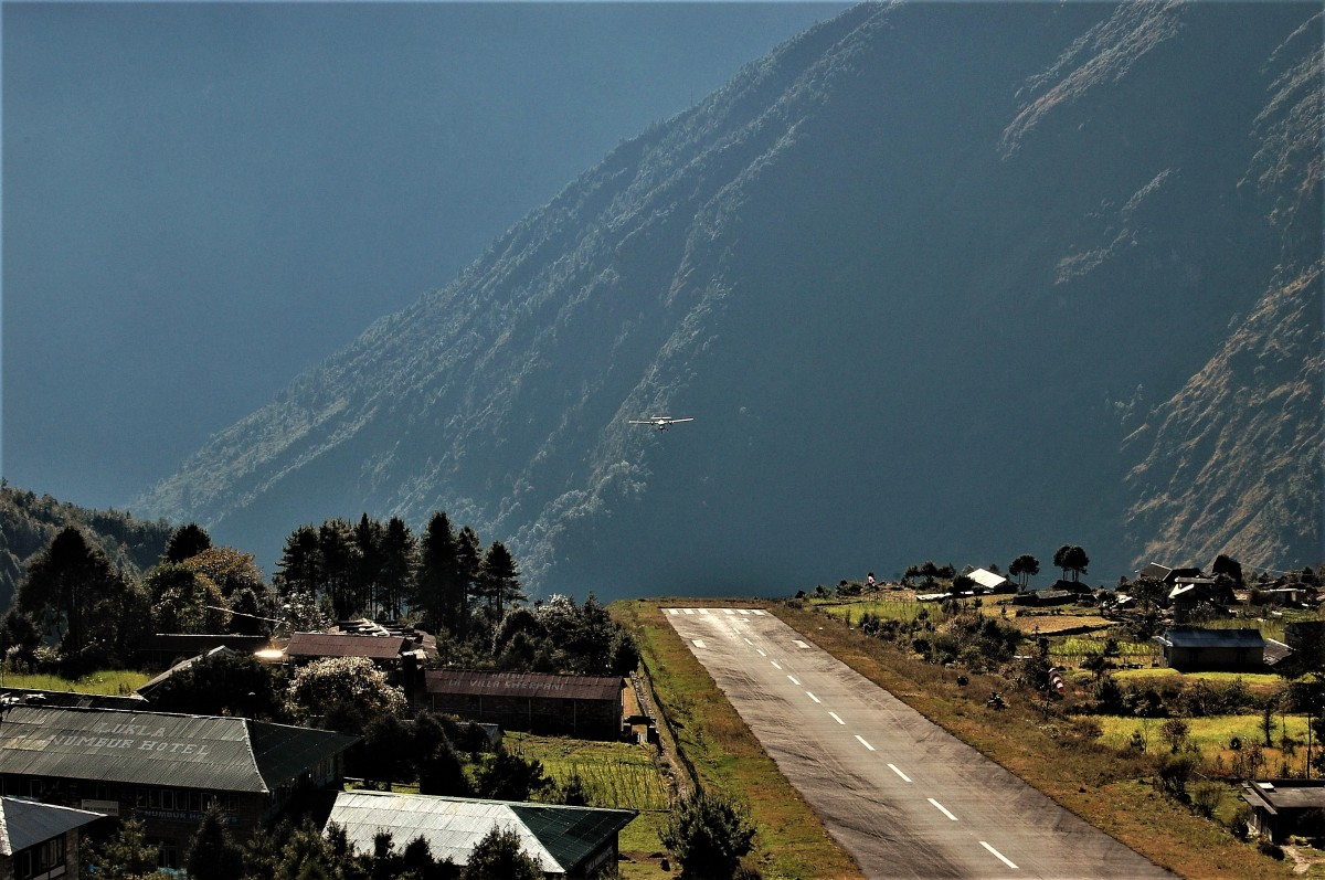 Zdjęcia: Lukla , Himalaje (Solukhumbu), Najniebezpieczniejsze lotnisko świata, NEPAL