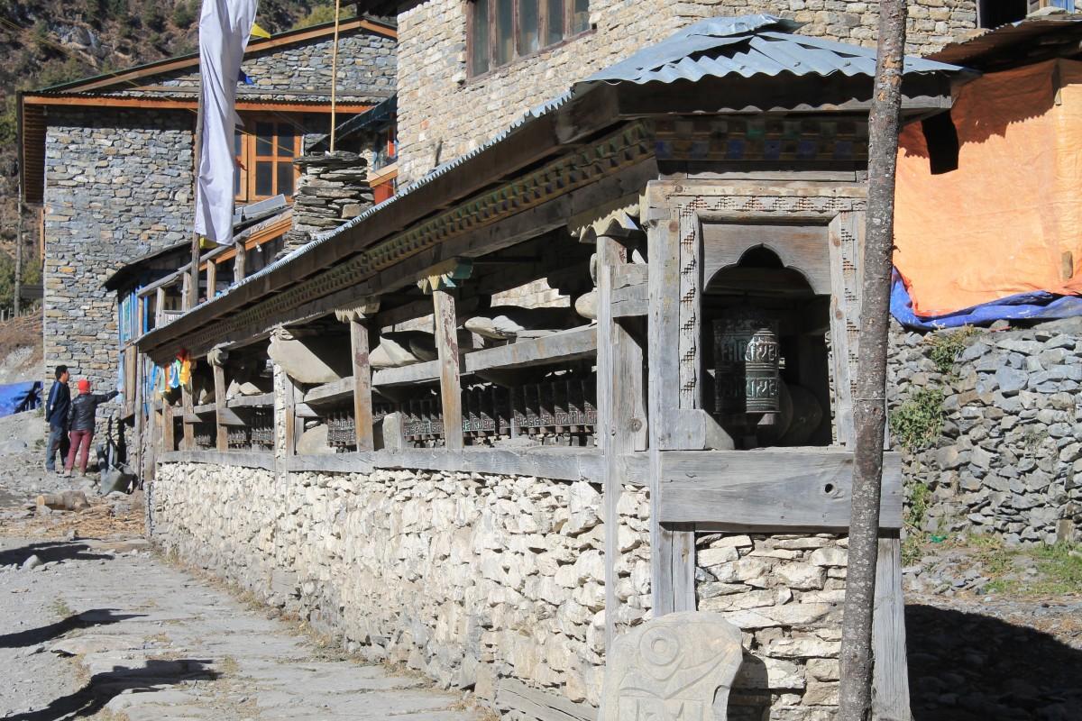 Zdjęcia: ok.Chame, Nepal Srodkowy Annapurna, Trekking  Annapurna Circuit, NEPAL
