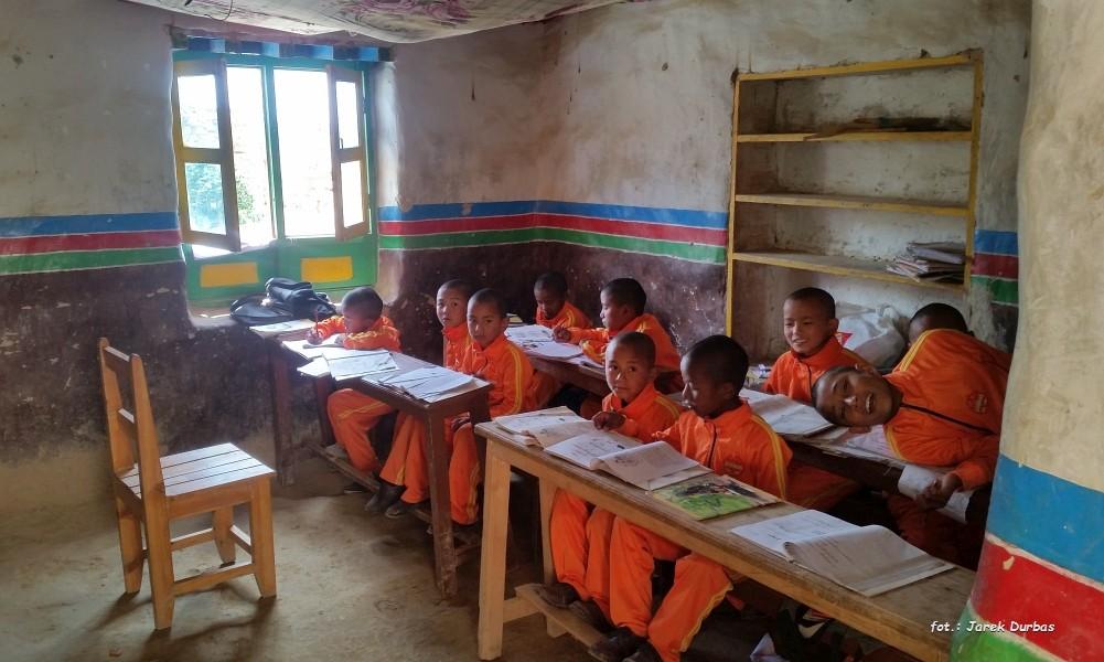 Zdjęcia: Dolina Choser, Mustang, Szkoła przy klasztorze Choser, NEPAL