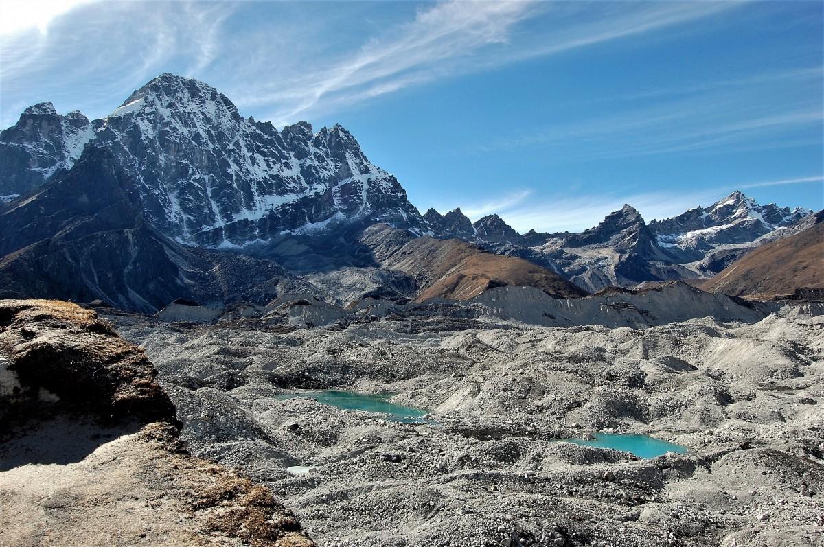 Zdjęcia: Lodowiec Ngozumpa, Himalaje, rejon  Gokyo Ri, Lodowiec Ngozumpa, NEPAL