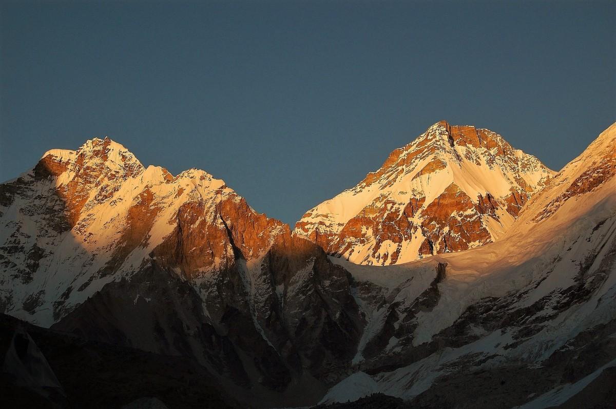 Zdjęcia: Przełęcz Lho La o świcie., Himalaje Mahalangur Himal, Cień Wielkiej Góry, NEPAL