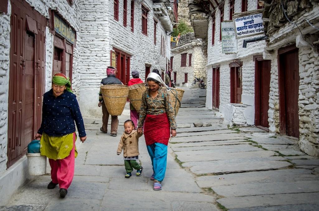 Zdjęcia: Marpha, Dolny Mustang, ulica..., NEPAL