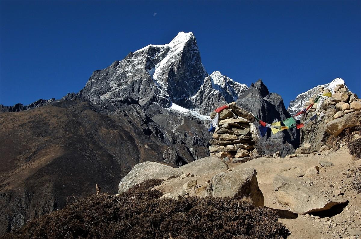 Zdjęcia: powyżej Dingboche, Himalaje, rejon Ama Dablam, Taboche Peak, NEPAL