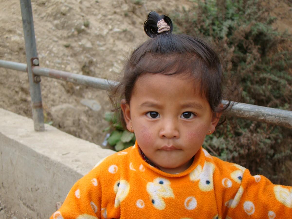 Zdjęcia: Lukla, Himalaje, Dziewczynka z Lukli, NEPAL