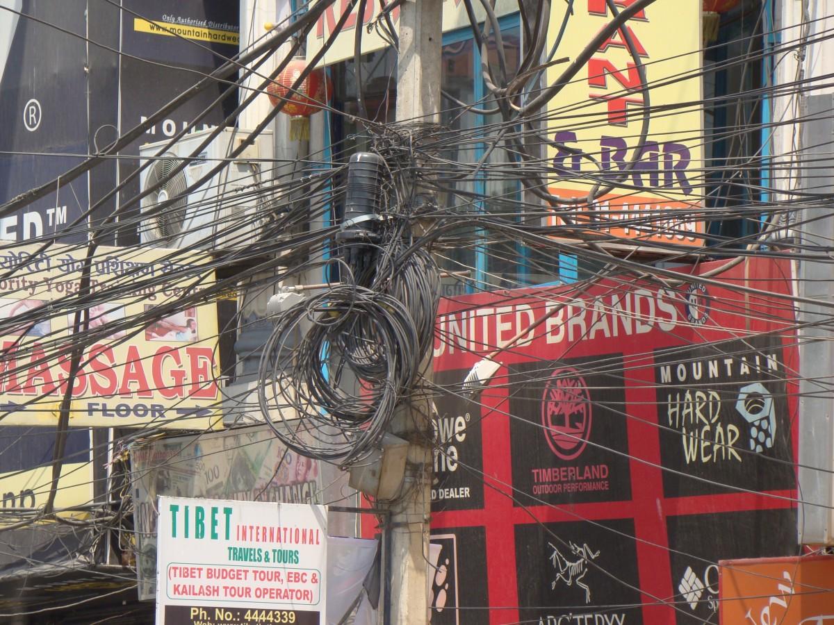 Zdjęcia: Okolice Thamelu, Kathmandu, Energetyka i telekomunikacja, NEPAL