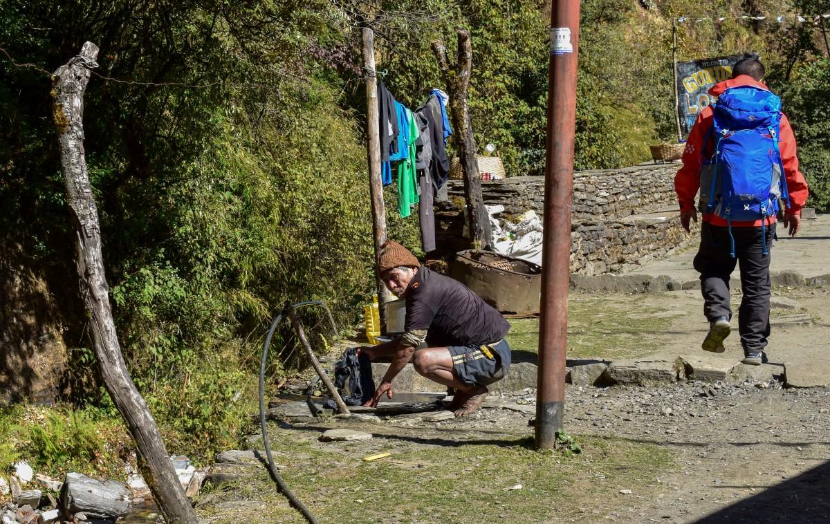 Zdjęcia: Himalaje, Himalaje, w nepalskiej wiosce, NEPAL