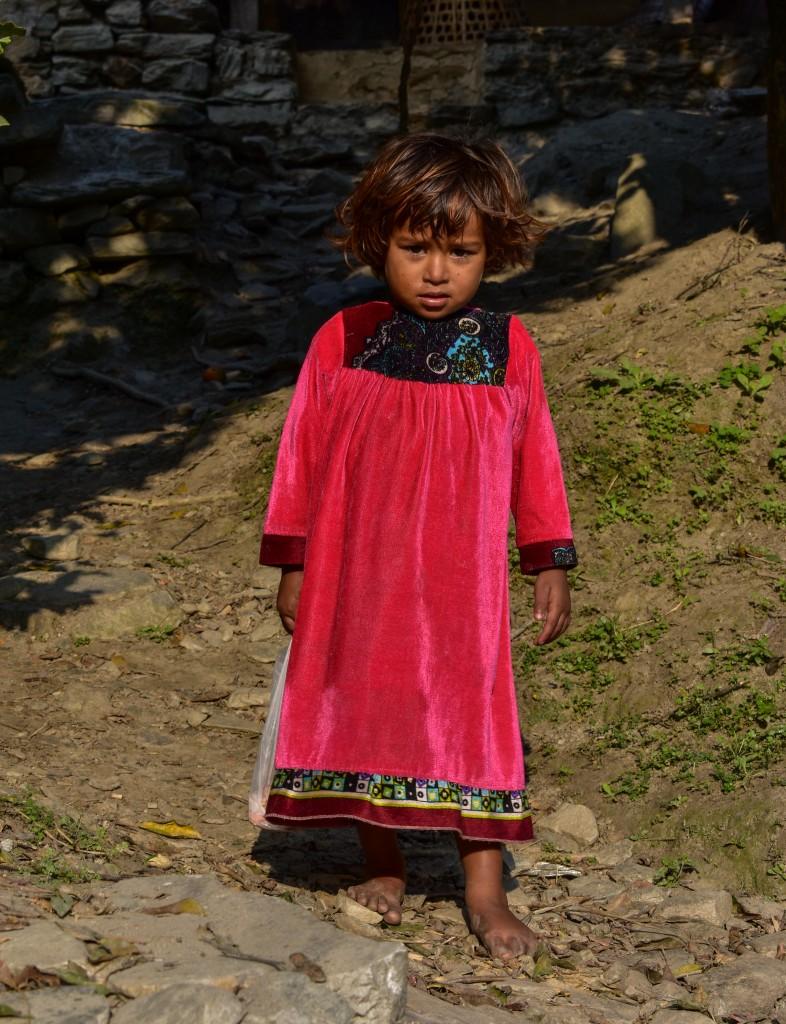 Zdjęcia: gdzieś w górskiej wiosce, Himalaje, Bosa  księżniczka, NEPAL