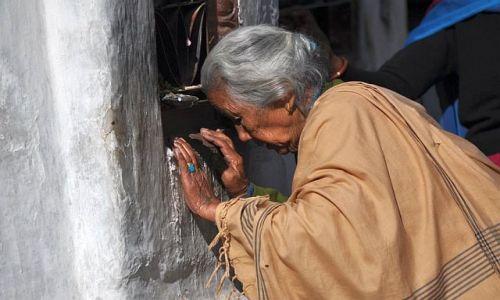NEPAL / Kathmandu / w Bouddanath / *