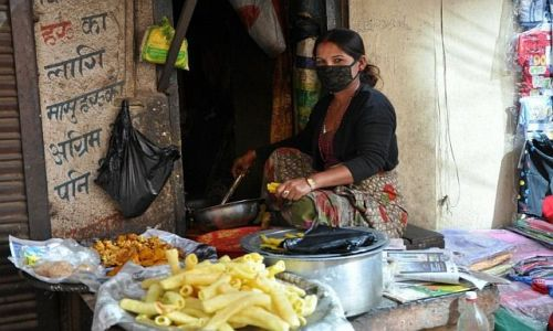 Zdjecie NEPAL / Kathmandu / okolice Swayambunath / pasta