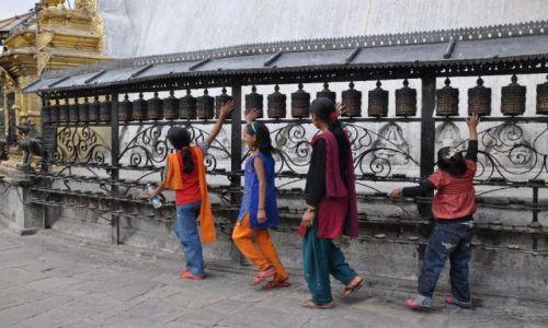 Zdjecie NEPAL / Nepal / Kathmandu / Modlitwa