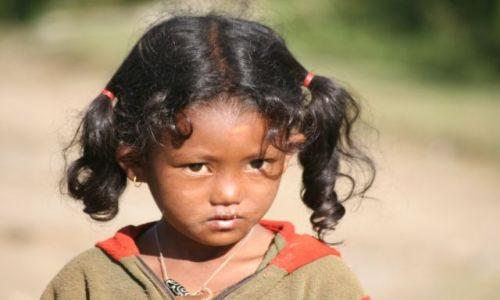 Zdjecie NEPAL / Pokhara / Naunada / Dziewczynka
