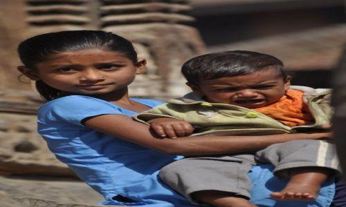 Zdjęcie NEPAL / Dolina Kathmandu / Patan / Rodzenstwo