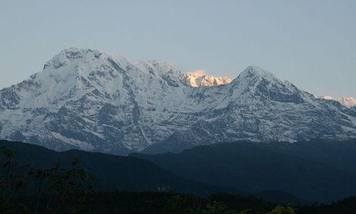 Zdjecie NEPAL / Sanktuarium Annapurny / Naudanda / O wschodzie