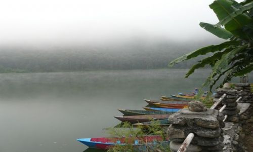 Zdjecie NEPAL / Pokhara / jezioro Pewa  / Poranna melancholia