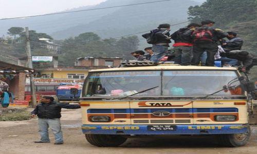 Zdjecie NEPAL / Nauwakot / Trisuli Bazar / bus-stop