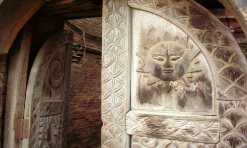 Zdjecie NEPAL / Kathmandu / Patan / Drzwi