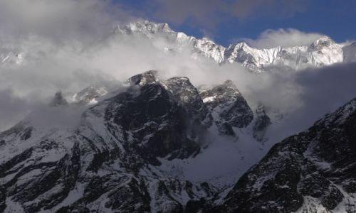 Zdjęcie NEPAL / Himalaje / Dolina Langtang / Śnieżne sześciotysięczniki