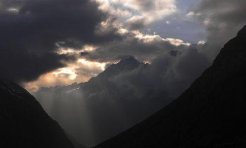 NEPAL / Himalaje / Dolina Langtang / Zachód słońca