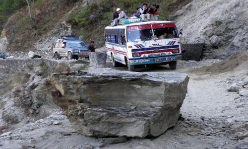 Zdjecie NEPAL / Himalaje / Droga do Syabru Besi / Przymusowy postój