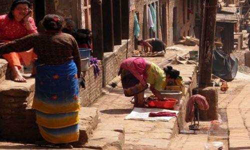 Zdjęcie NEPAL / Dolina Kathmandu / Bhaktapur / Życie na ulicy