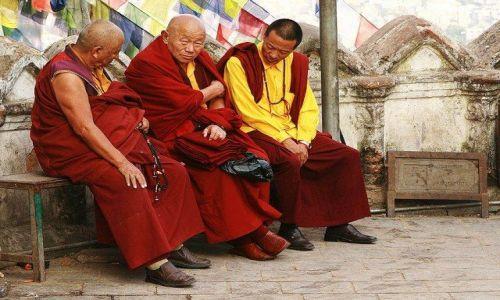 Zdjęcie NEPAL / Kathmandu / Swayambhunath / Mnisi
