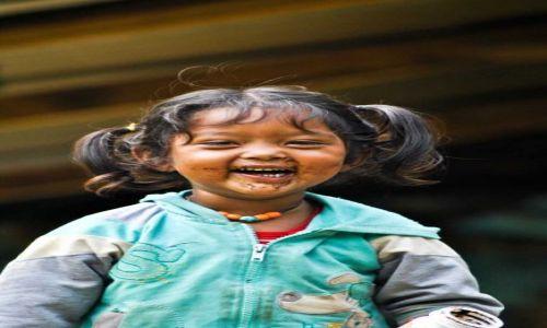 Zdjecie NEPAL / - / Katmandu / taaaaaaaki uśmiech