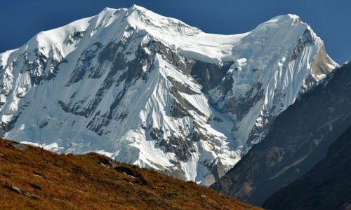 NEPAL / Annapurna / powyżej MBC / Annapurna III 7555m