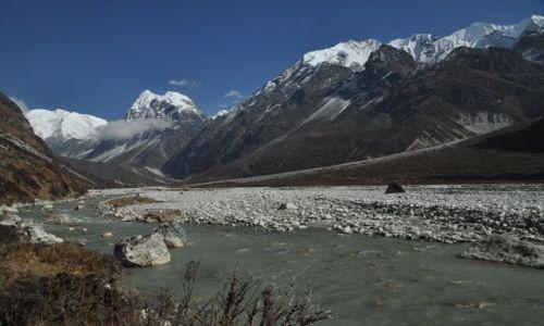 Zdjecie NEPAL / Langtang National Park / Langsisa Kharka / Dolina Langsisa