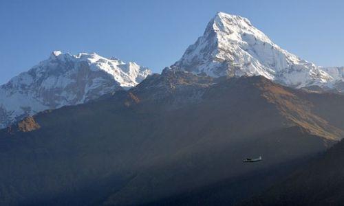 Zdjecie NEPAL / Annapurna / Poon Hill / samolot w górach