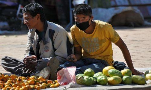 Zdjęcie NEPAL / Dolina Kathmandu / Bhaktapur / widzę Cię