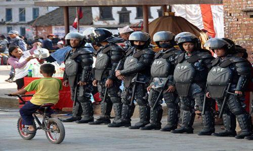 Zdjecie NEPAL / - / Durbar Squere w Kathmandu / nie boję się was!!!