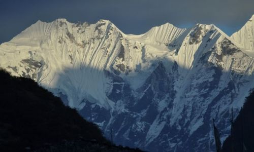 Zdjecie NEPAL / Langtang / Langtang / Gory o zachodzie