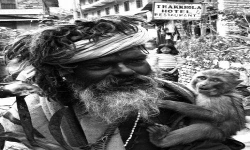 Zdjecie NEPAL / Annapurna circuit / thakkhola / sadhu