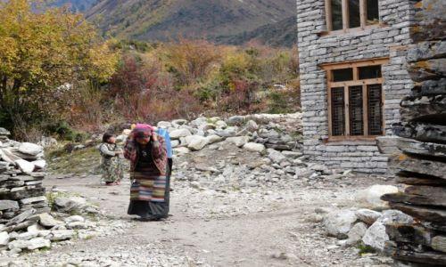 Zdjecie NEPAL / - / w wiosce Samagaun / Bez taryfy ulgowej...