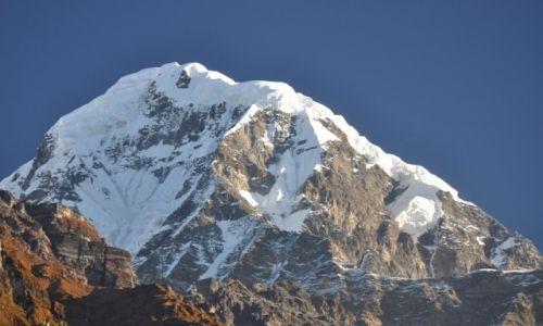 Zdjęcie NEPAL / Annapurna Range / Sinuwa / Hiunchuli 6441 m.n.p.m.