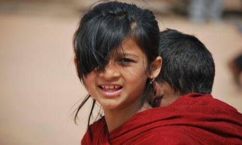 Zdjecie NEPAL / Dolina Kathmandu / Kathmandu / Czerwony kapturek