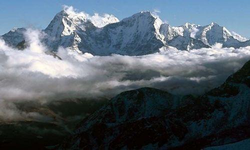 NEPAL / Himalaje / Trekking w rejonie Mount Everestu / Na szczycie Gokyo Ri