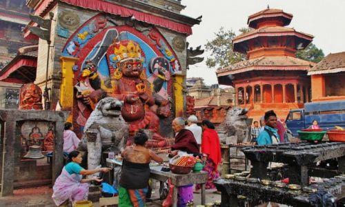 Zdjęcie NEPAL / - / Patan / Bóstwo