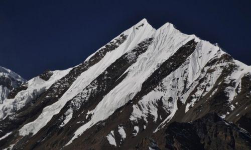 Zdjęcie NEPAL / Manang / Manang / czarno-białe-śnieg